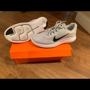 (New) Nike shoes